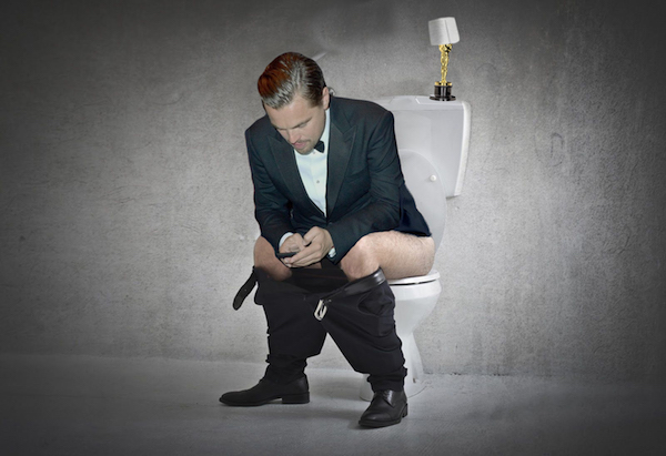2-Internet-Photoshops-Leonardo-DiCaprio-Oscar-At-Feet-Funny-Memes.jpg